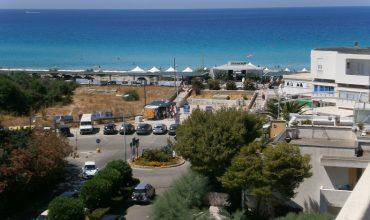 COD. 20 – Gallipoli – Baia Verde – Ampio Trilocale Con Terrazzo Panoramico